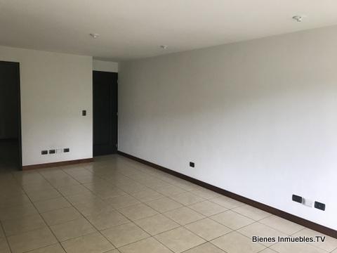 Apartamento en renta Bosques de Euskadi zona 16