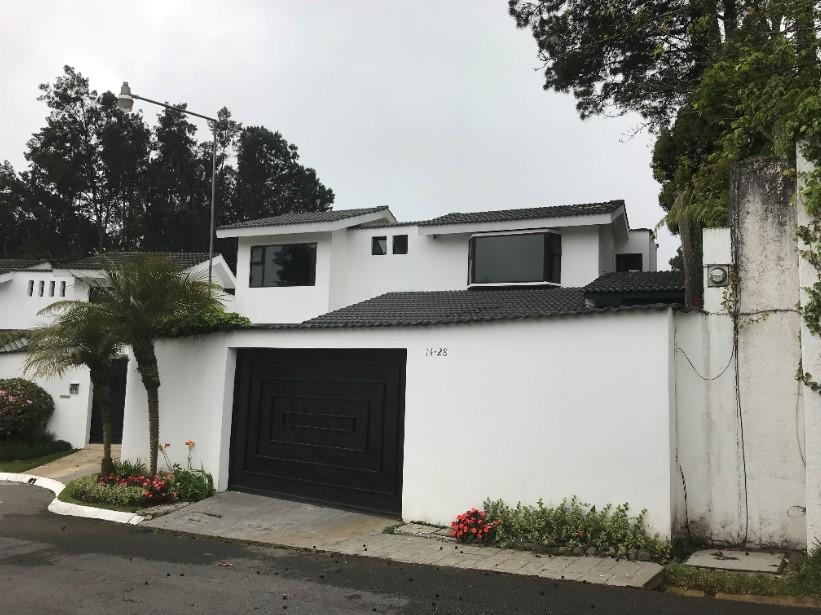 Casa en venta de 3 habitaciones en La Encantada