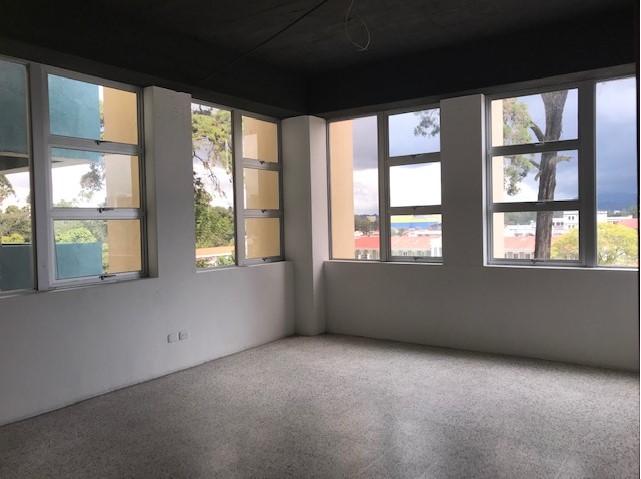 Apartamento/Oficina en Zona 9 sobre Ave. Reforma