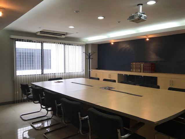 Edificio de oficinas en Venta o Renta en zona 11