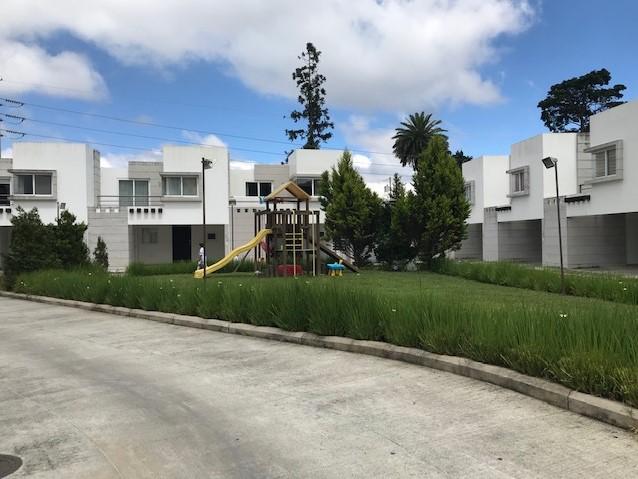 Casa dentro de condominio km 17.5 CES