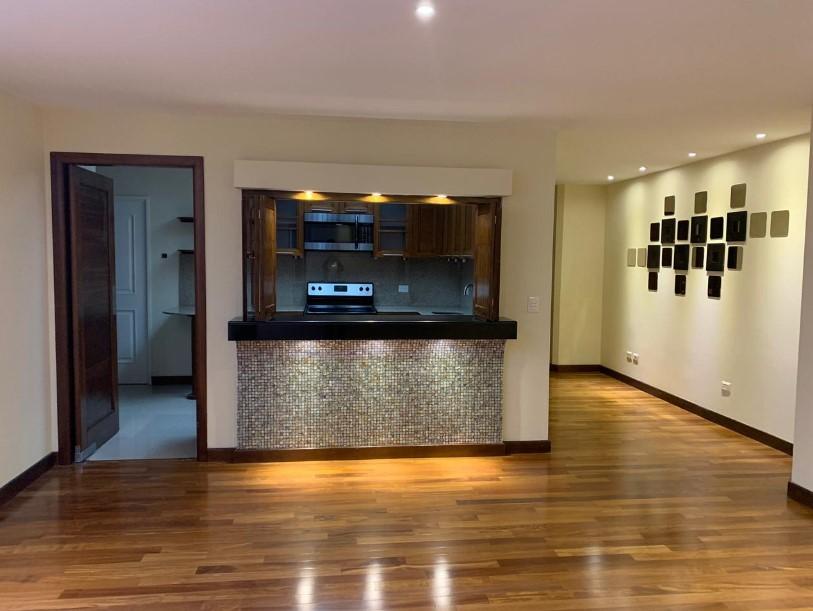 Apartamento en alquiler o venta en Mirafiori, Zona 10
