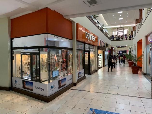 Local en venta en Centro Comercial Los Proceres
