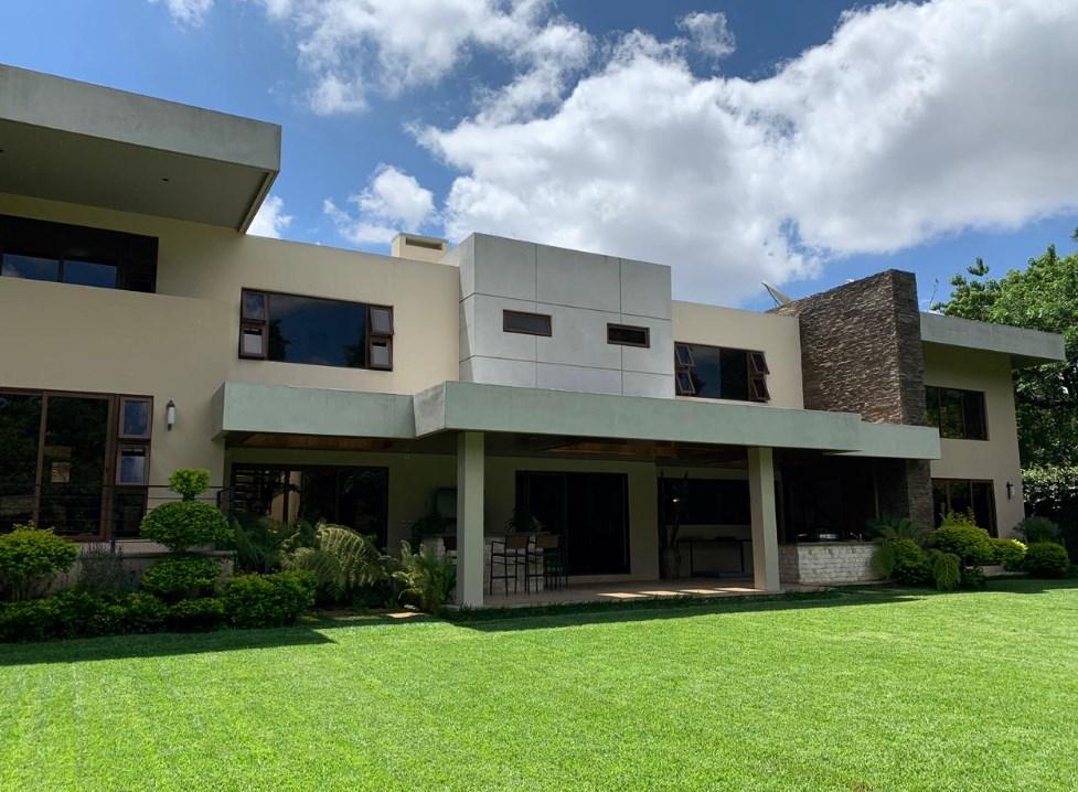 Casa en venta en Country Club, zona 11
