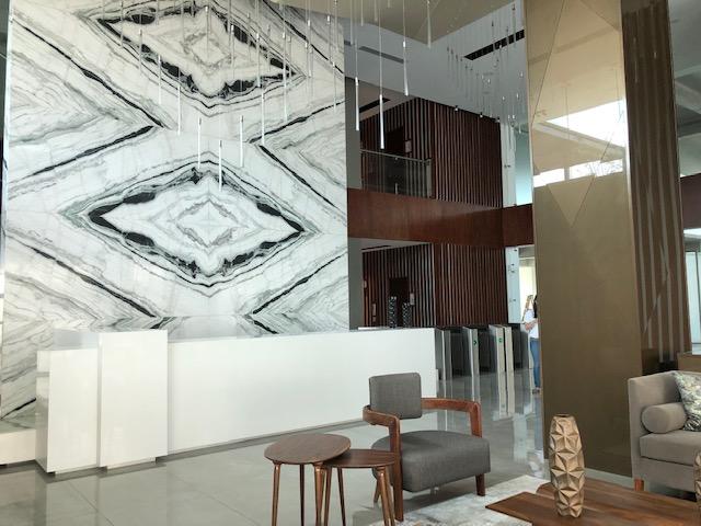 Oficina en renta edificio zenit zona 10