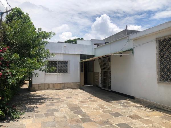 Casa para uso comercial en renta zona 9