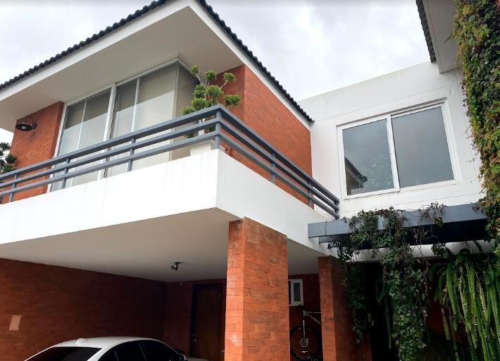 Casa en Venta La Ensenada de San Isidro Zona 16
