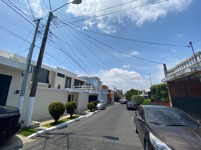 Casa | Venta | Santa Monica | Zona 2 | Mixco