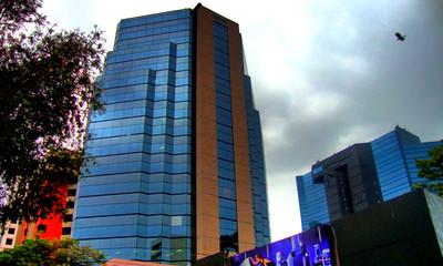 Oficinas y Locales Comerciales en Alquiler en Edificio Murano Center, zona 10