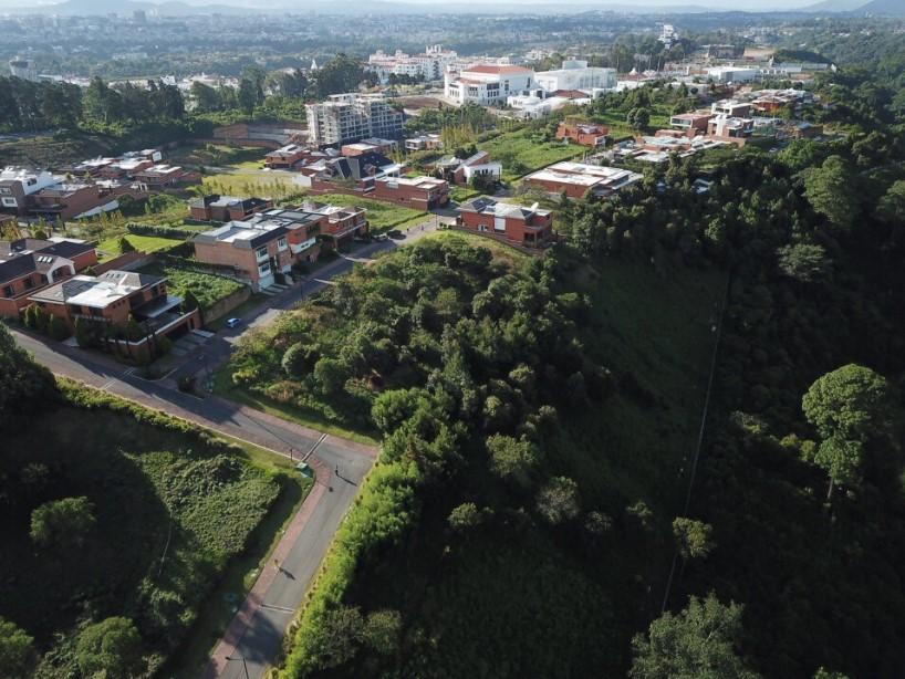TERRENO EN VENTA ACACIAS DE CAYAL� ZONA 16