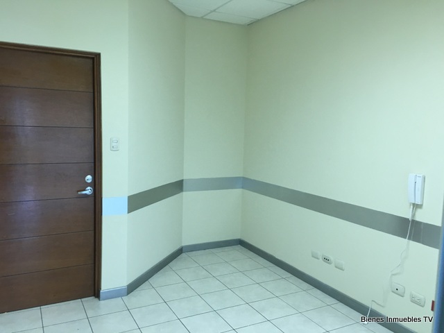 Oficina en alquiler en Empresarial Zona Pradera zona 10
