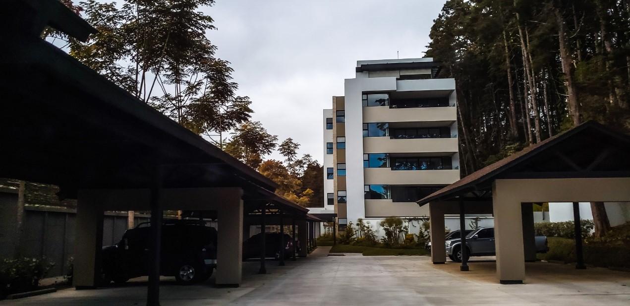 Proyecto de apartamentos Torre Laguna carretera al salvador