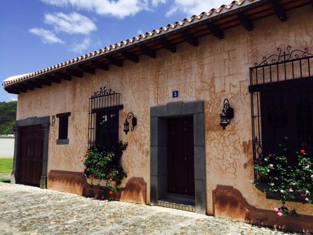 Casa en venta, Las Gravileas, Antigua Guatemala