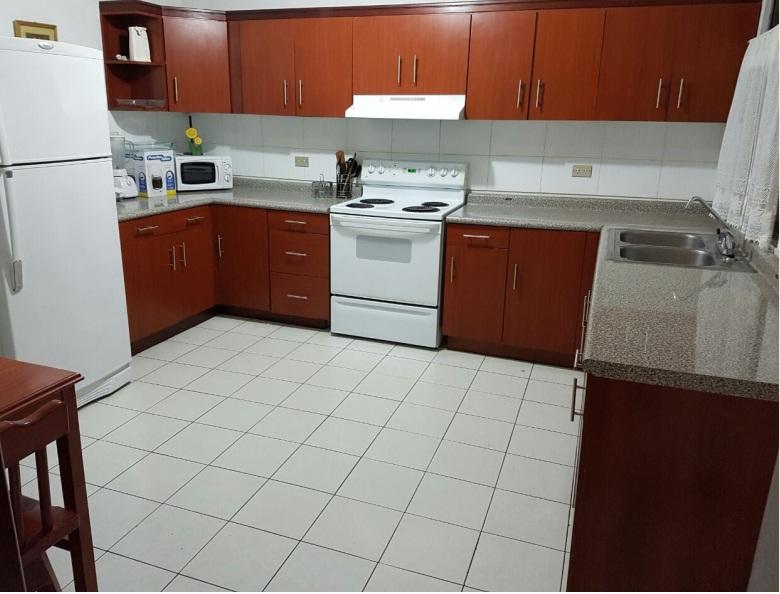 Precioso apartamento en alquiler en zona 14 edificio Bonaire