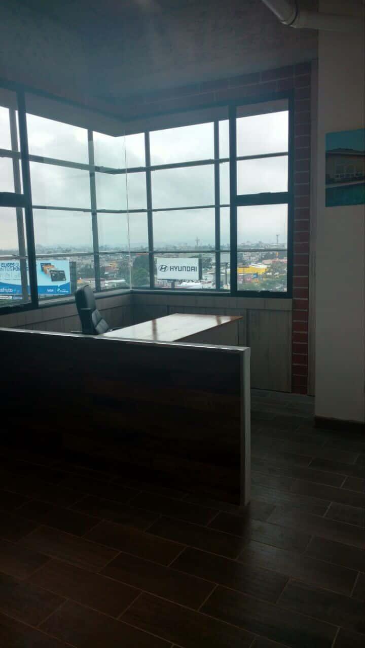 Oficina en alquiler en distrito miraflores zona 11 for Oficinas en alquiler