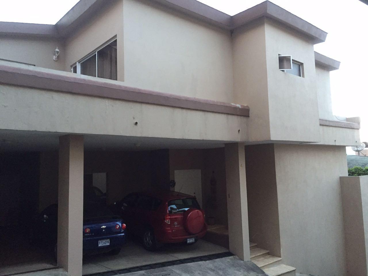 Casa a la venta en Santa Rosal�a