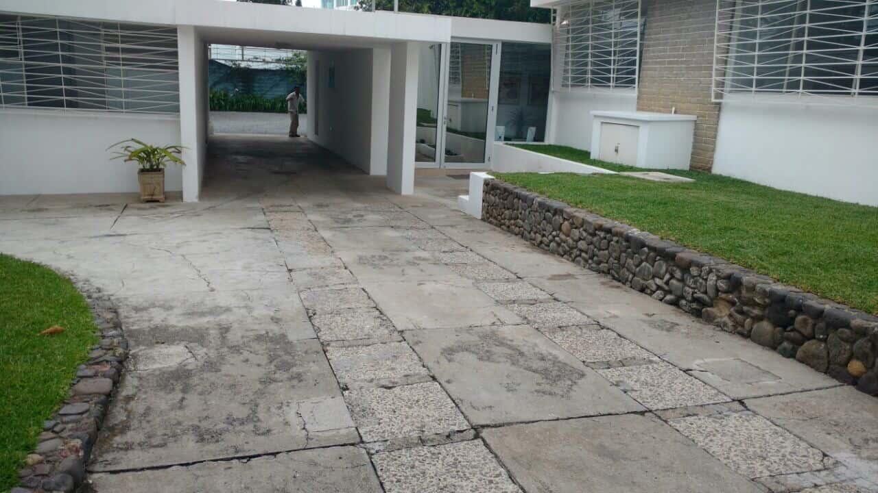 CASA PARA USO DE OFICINAS EN ZONA 14