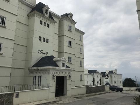 Apartamento de dos habitaciones con linda vista en zona 16