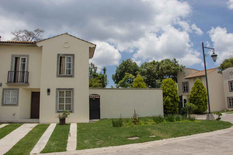 Casa en venta y renta  Villas Capri Km 22.5