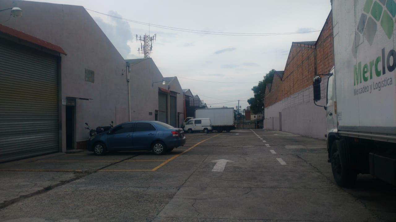 Bodegas en Renta en Condominio Zona 12