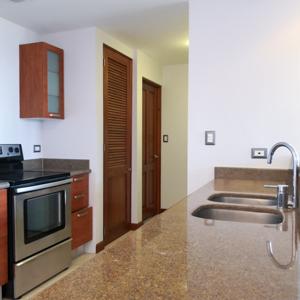 Apartamento en renta edificio Torre Condesa zona 14