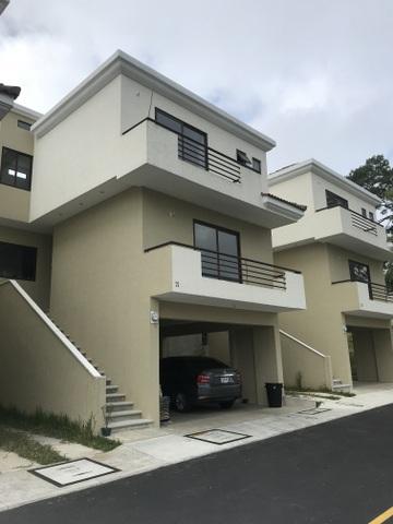 Casa en venta en Vistas de San Isidro zona 16