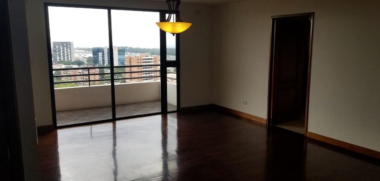Apartamento en alquiler en Edificio Almeira, zona 14