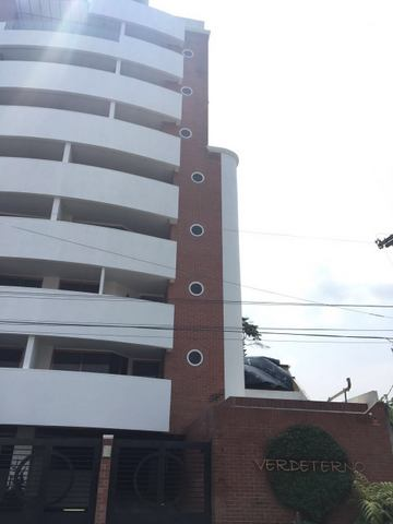 Apartamento en alquiler zona 15 Edificio Verdeterno
