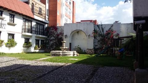 Hermosa casa en venta zona 14 Condomino Rincones de Antigua