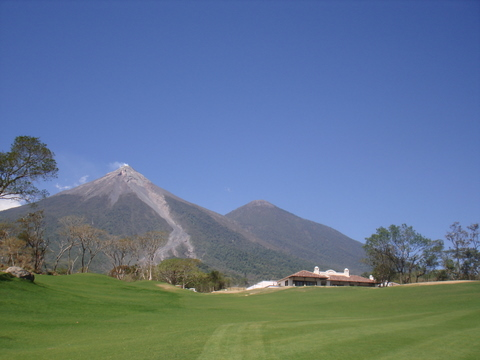 TERRENO EN CLUB DE GOLF LA REUNION