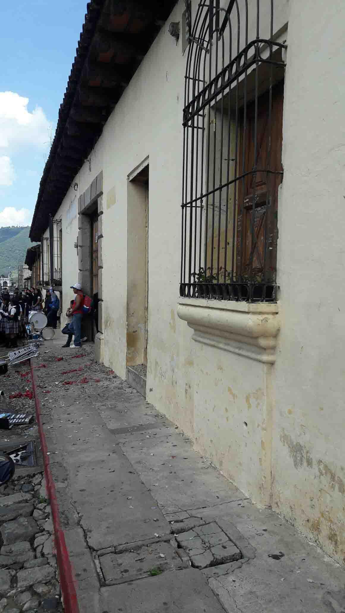 VENTA CASA GRANDE EN CENTRO DE ANTIGUA GUATEMALA IDEAL PARA HOTEL