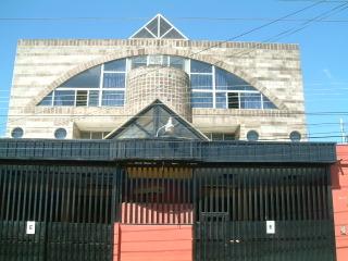 Edificio de 4 niveles en venta entre la Roosevelt y la Mateo Flores